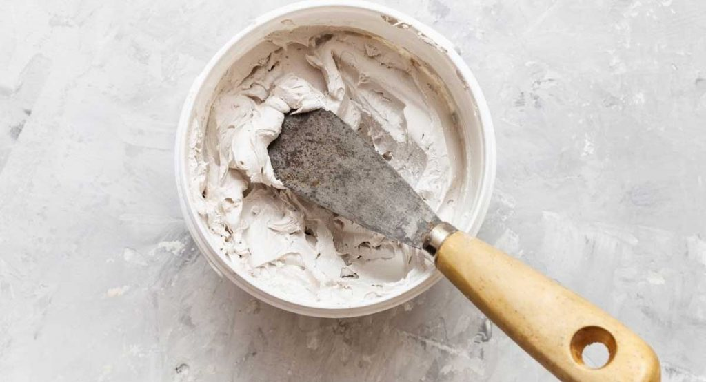 A Guide to the Best Wood Putty on the Market for All Your Woodwork Needs