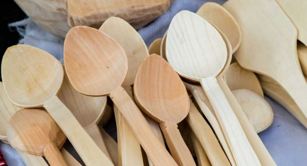 A Review of the Best Spoon Carving Wood For You