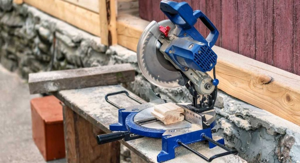 Best Cordless Circular Saw Available on the Market