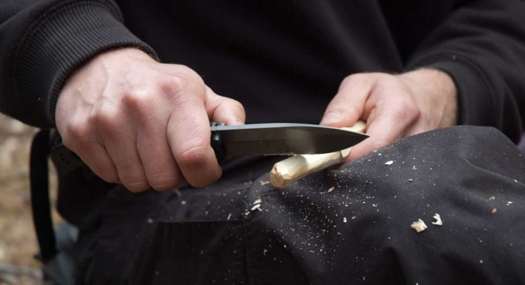 The Best Whittling Knives for Woodworking
